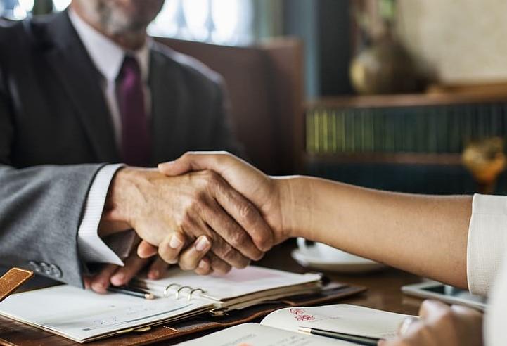 """Reacția unui notar după extinderea competențelor avocaților în detrimentul notarilor: """"sper sincer ca cetățeanul să fie cel în câștig"""""""