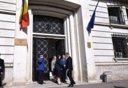 Instanța supremă admite recursul în casație depus de doi celebri fugari, Alina Bica și Cristian Rizea