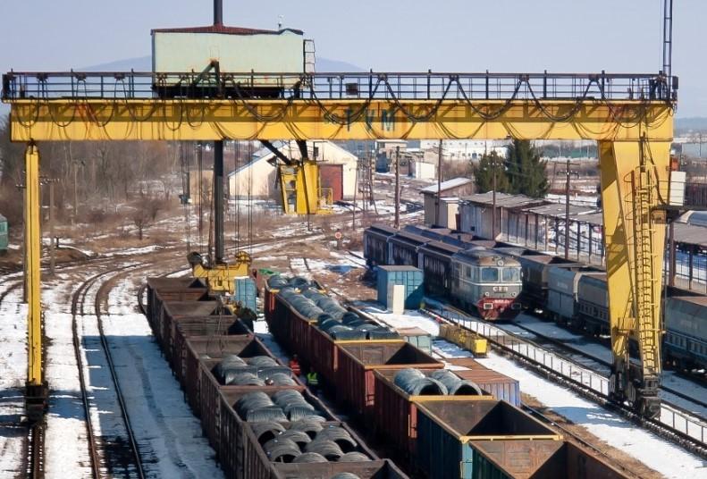 Marea bătălie de la granița de Est a NATO / Firma unui transnistrean ar vrea să pună mâna pe echipamente vitale în transbordarea vagoanelor de marfă