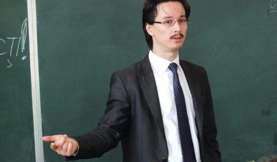 """Judecătorul Cristi Danileț: """"în cazul fraudării examenelor, aș înăspri interdicția de a mai da la Drept, nu doar la Universitatea București, ci la orice altă facultate de Drept din România timp de 10 ani"""""""