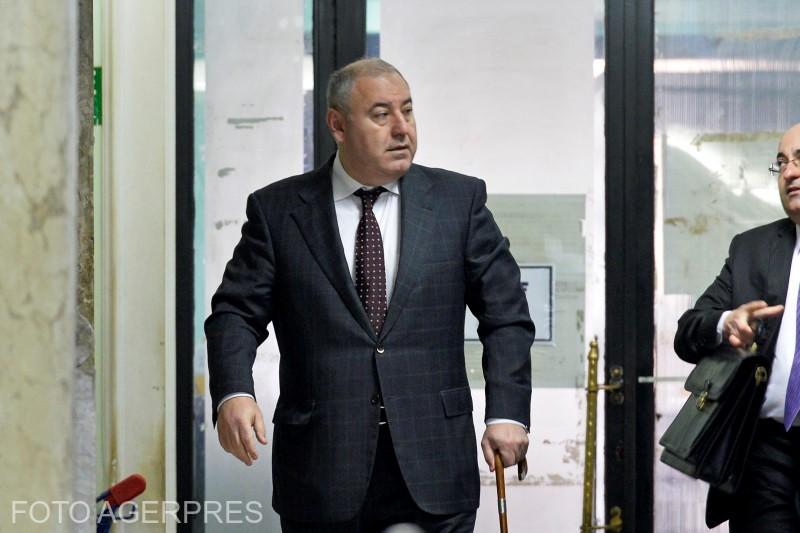 """Interceptări – Mega-dosar de corupție la Fundeni (4) / Dorin Cocoș: """"Şi-o să-i spun: bă, asta e! Casa am evaluat-o la şase sute de mii şi ţi-ai luat partea!"""""""