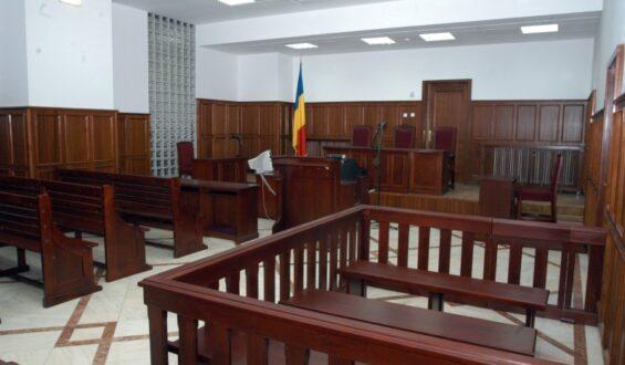 Avocații reacționează dur la interpretarea CSM care aprecia că, în situații excepționale, delegația avocatului din oficiu poate fi menținută și după prezentarea apărătorului ales