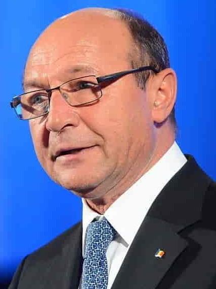 Premierul Cîțu nu se bagă peste proiectul de lege al PSD care l-ar putea lăsa pe Traian Băsescu fără privilegiile de fost șef de stat