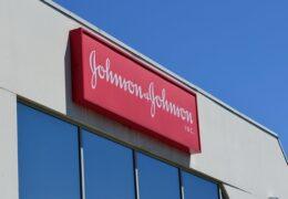 Johnson&Johnson România SRL obține în instanță peste 10 milioane de euro de la Statul Român